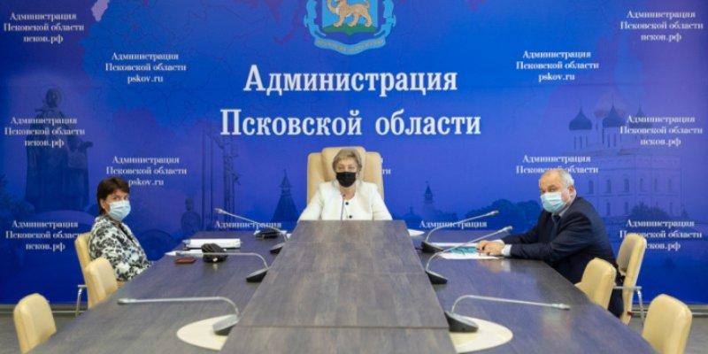 Вера Емельянова провела совещание на тему хода вакцинации