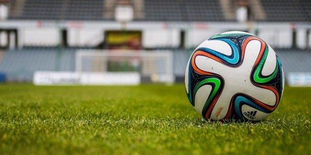 Станислава Черчесова уволили с поста главного тренера сборной страны по футболу