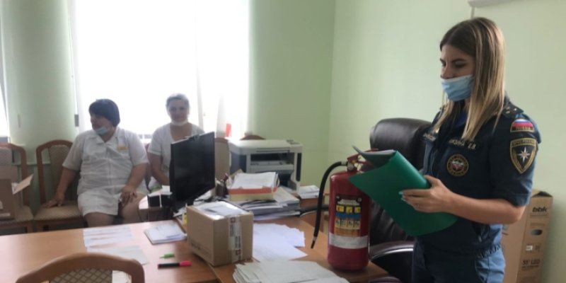 """Профилактические мероприятия в рамках операции """"Лето"""" прошли в Великих Луках"""