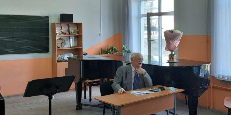 В Пскове прошла встреча с Заслуженным работником культуры Николаем Мишуковым