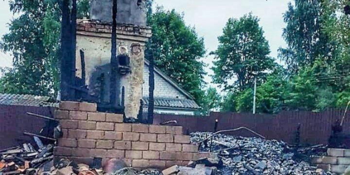 Жилой дом сгорел в Печорском районе