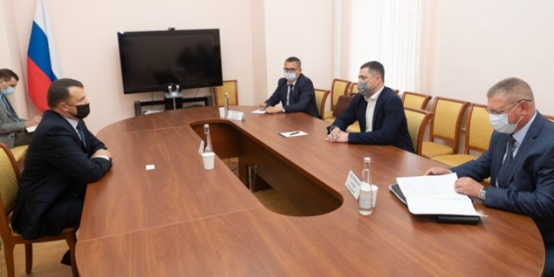 Губернатор встретился с представителем МВД при Посольстве Республики Беларусь