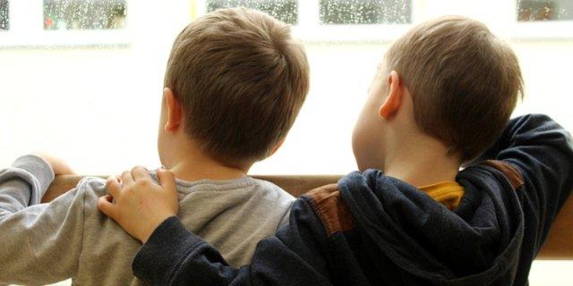 Усилить контроль за детьми на дорогах взрослых просит Госавтоинспекция