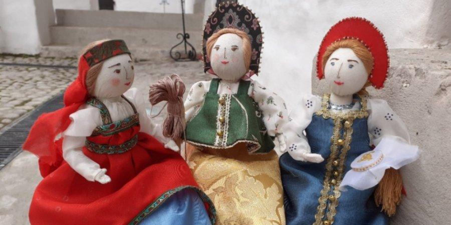 Выставка «Кукольное дело» ждет посетителей в Доме ремесел