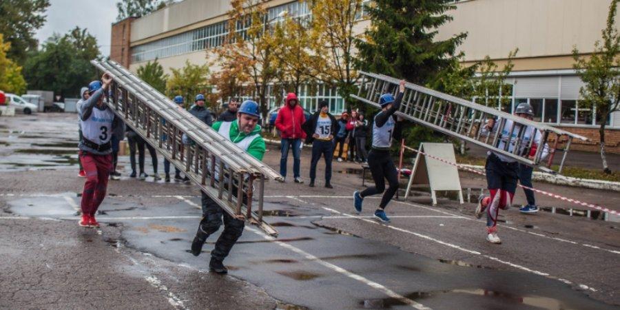 В Пскове прошли соревнования по пожарно-спасательному спорту