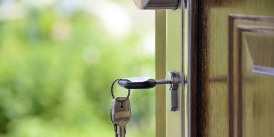 Великолукским домовладельцам напоминают об установке адресных указателей
