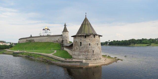 О финансовом неблагополучии населения Псковской области заявили эксперты