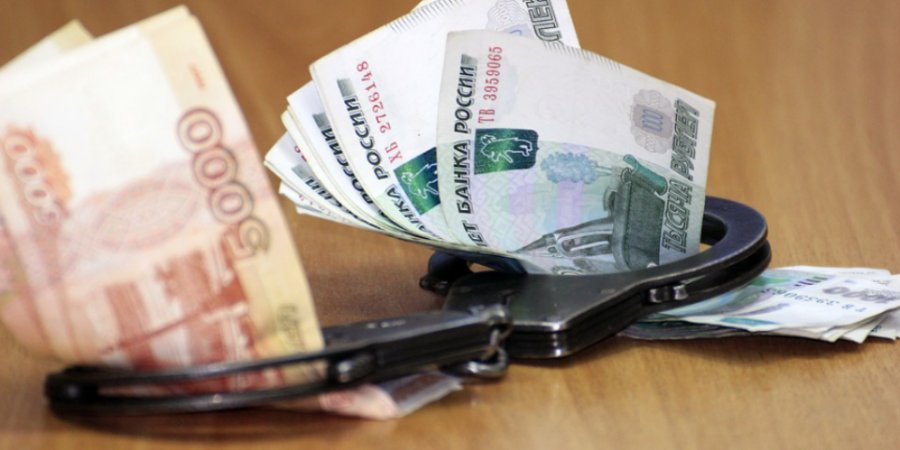 Иностранец пытался дать взятку сотруднику псковской таможни