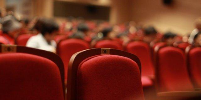 В афише Великолукского театра на октябрь произошли изменения